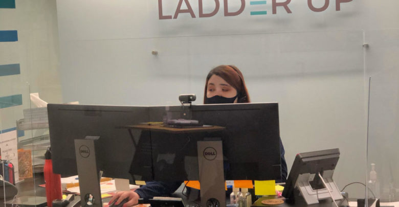 Ladder Up offers free tax preparation for Illinois residents.