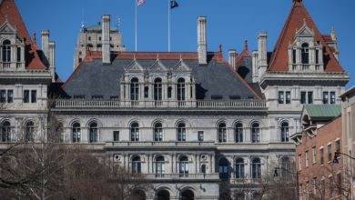 New York lawmakers close to budget deal to increase income and corporate taxes by $ 4.3 billion